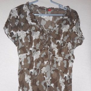 Size 10 cap sleeve sheer lace up blouse